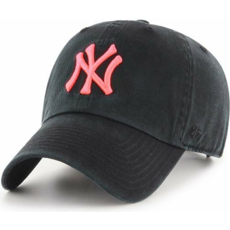 casquette-courbee-noire-avec-logo-rose-new-york-yankees-mlb-clean-up-47-brand