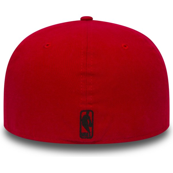 casquette-plate-rouge-ajustee-59fifty-chain-stitch-chicago-bulls-nba-new-era
