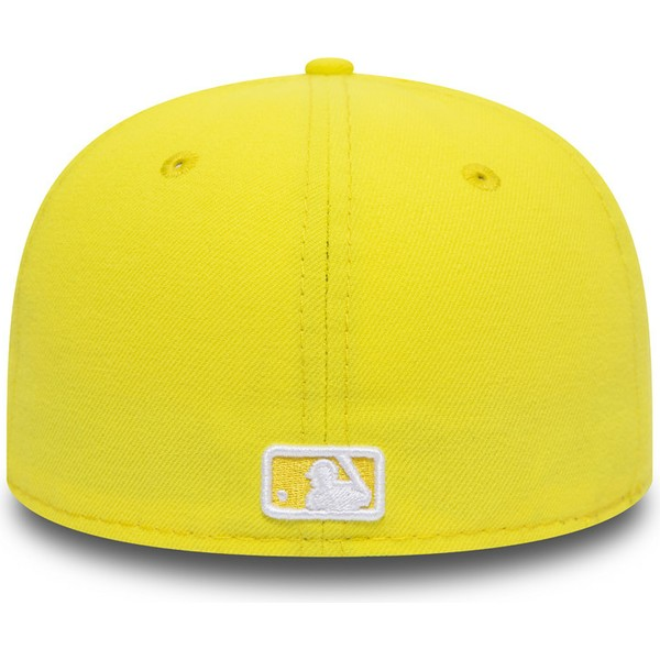 casquette-plate-jaune-ajustee-59fifty-essential-new-york-yankees-mlb-new-era