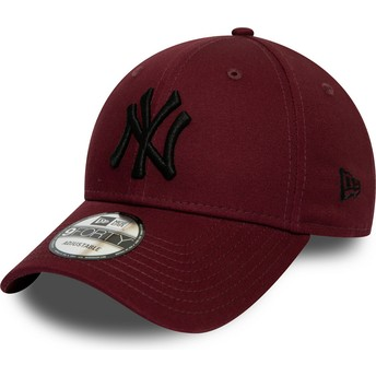 Casquette courbée grenat ajustable avec logo noir 9FORTY League Essential New York Yankees MLB New Era