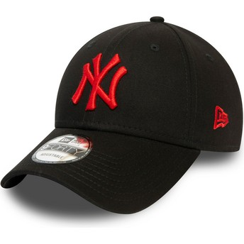 Casquette courbée noire ajustable avec logo rouge 9FORTY League Essential New York Yankees MLB New Era