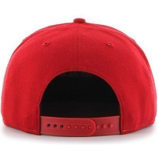 casquette-plate-rouge-snapback-unie-avec-logo-lateral-mlb-boston-red-sox-47-brand
