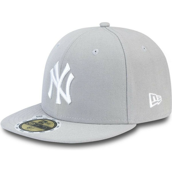 casquette-plate-grise-ajustee-avec-logo-blanc-pour-enfant-59fifty-essential-new-york-yankees-mlb-new-era