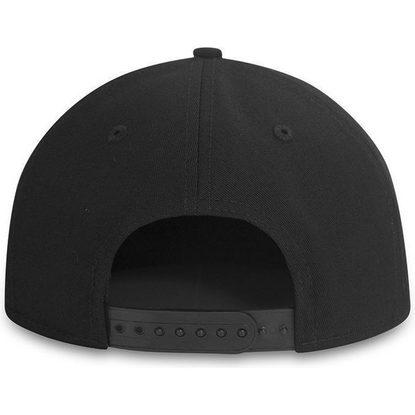 casquette-plate-noire-snapback-ajustable-9fifty-black-on-black-new-york-yankees-mlb-new-era